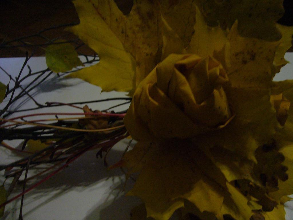 Готовый цветок для венка