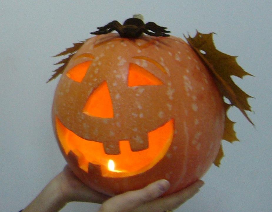 Тыква-фонарь для Хэллоуина