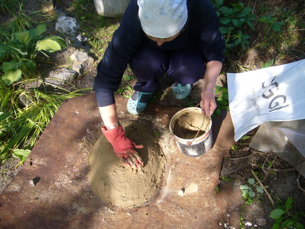 Делаем горку из песка