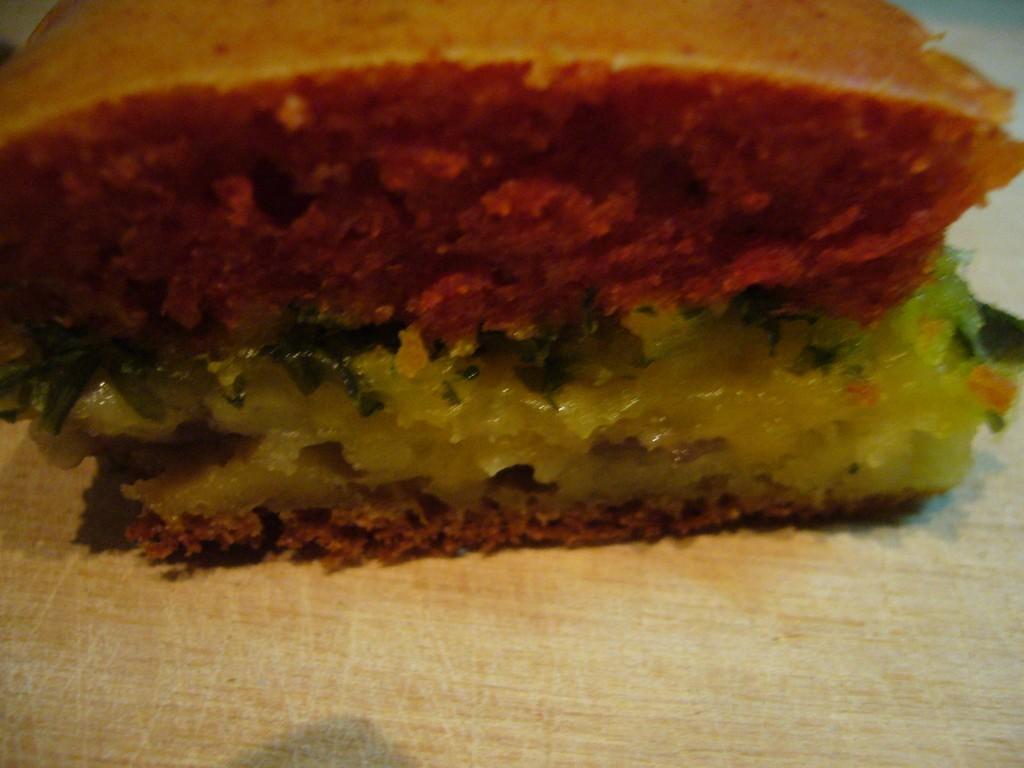 Кусочек пирога в разрезе