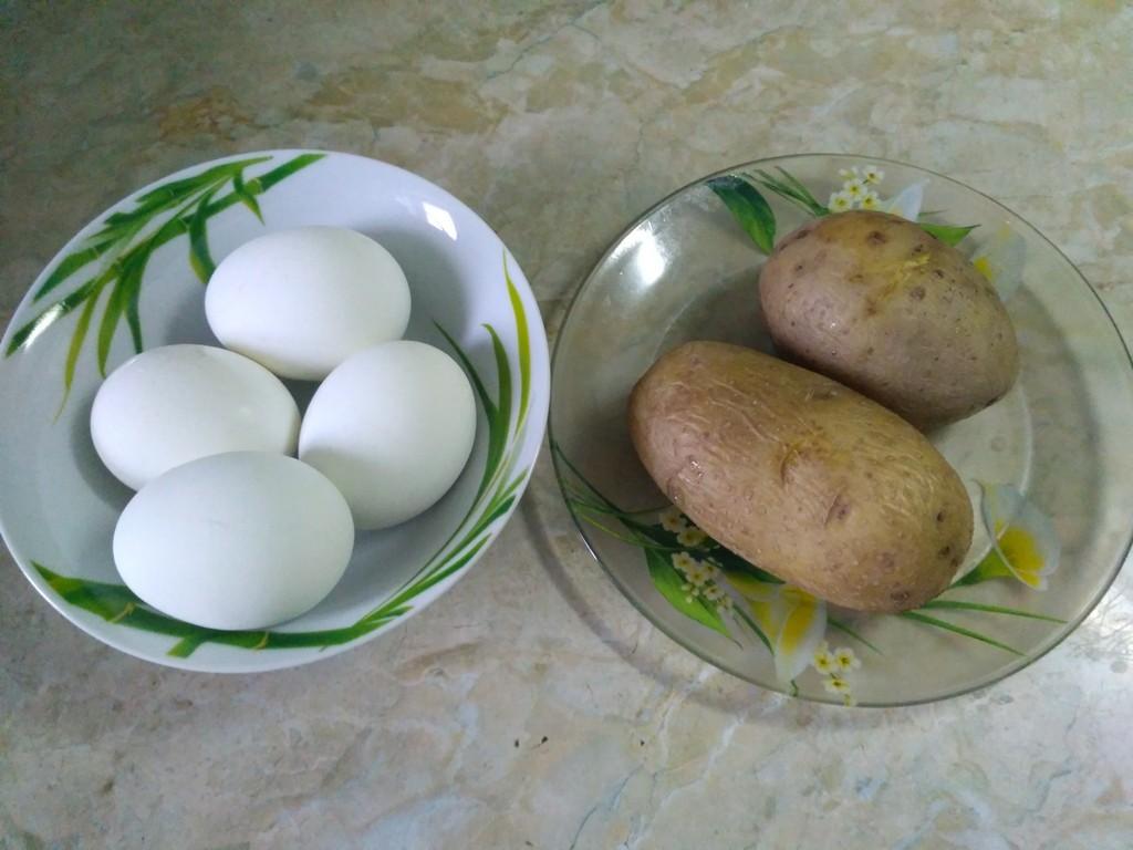 Яйца и картошка