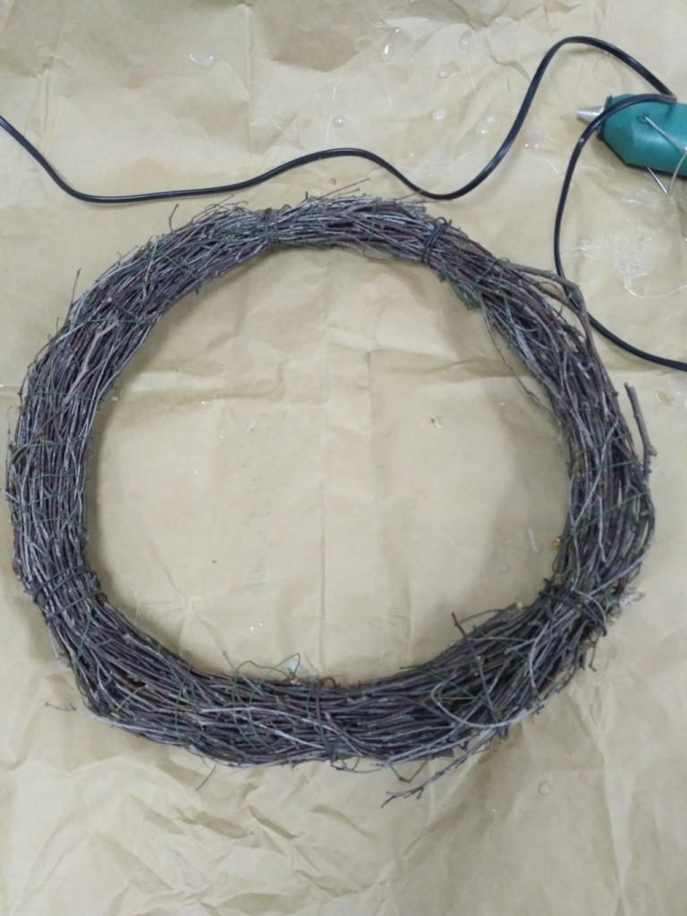 Кольцо из берёзовых веток