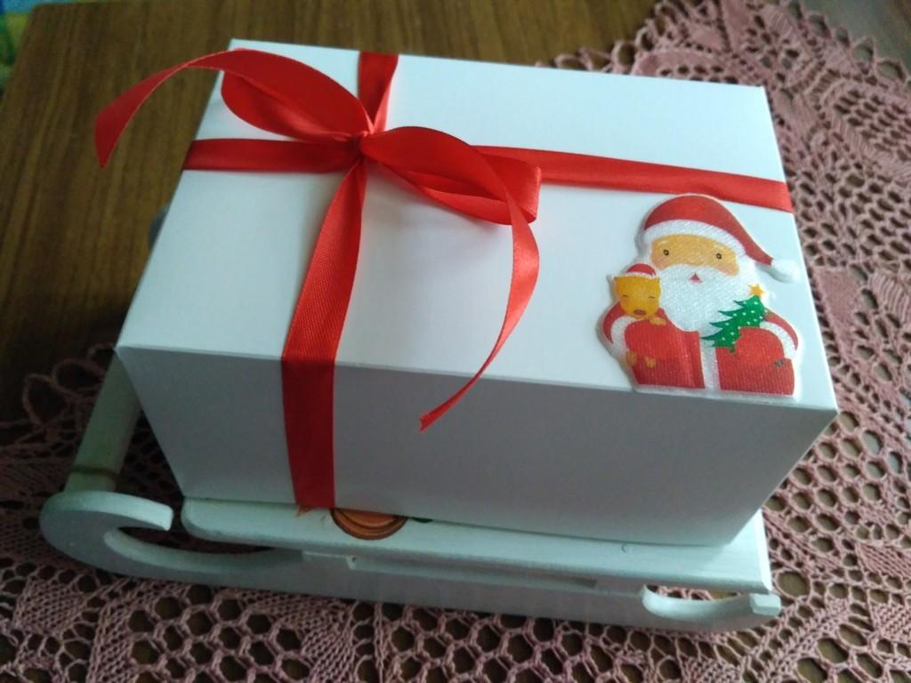 Ставим на санки Деда Мороза