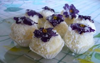 Мини-пирожные с кокосовой стружкой