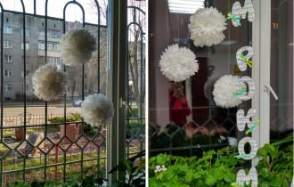 Украсим окно «снежками»